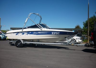 Hosking Trailer for Bayliner F17